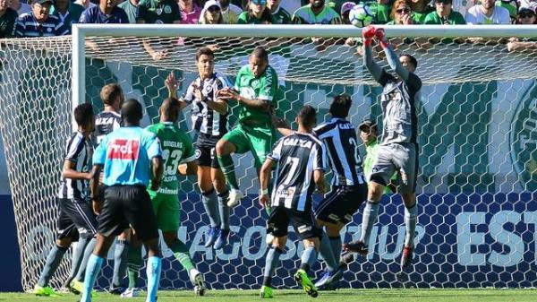 Luiz Fernando marca, Botafogo respira e mantém a Chapecoense na zona do rebaixamento