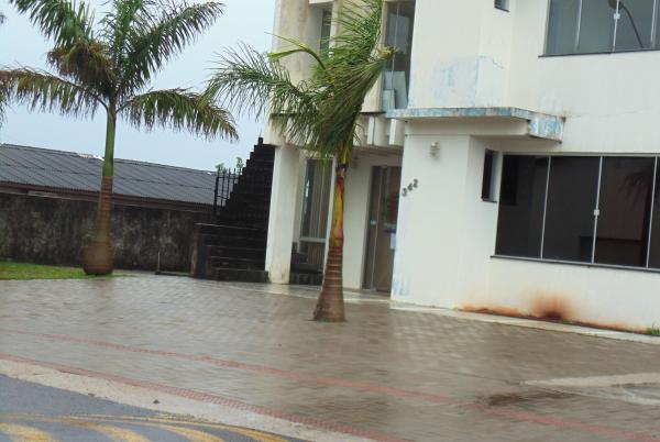 Barracão – Calçada da Câmara de Vereadores tem indício de superfaturamento que podem passar dos 60%