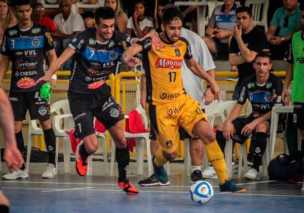 Pato Futsal arranca empate em Sorocaba