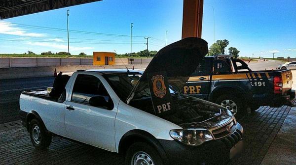 Após tentar fugir da PRF, homem é preso com cigarros contrabandeados
