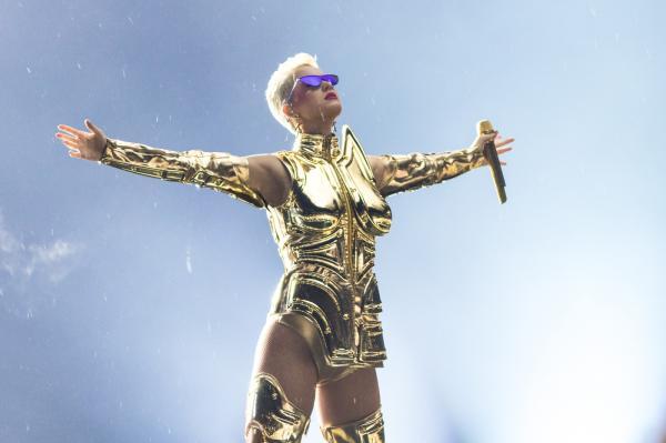Katy Perry é a mulher mais bem paga da música em 2018, com US$ 83 milhões