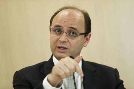 ''Defendo educação presencial sempre e com prioridade'', diz ministro da Educação