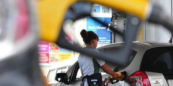 Petrobras anuncia redução de 15,28% no preço do diesel nas refinarias