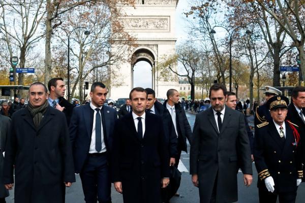 Para encerrar protestos, governo francês suspende aumento nos combustíveis