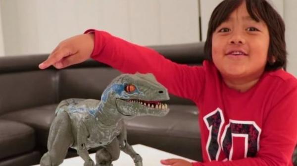 Youtuber Ryan, de 7 anos, ganha US$ 22 milhões e é o mais bem pago do mundo em 2018