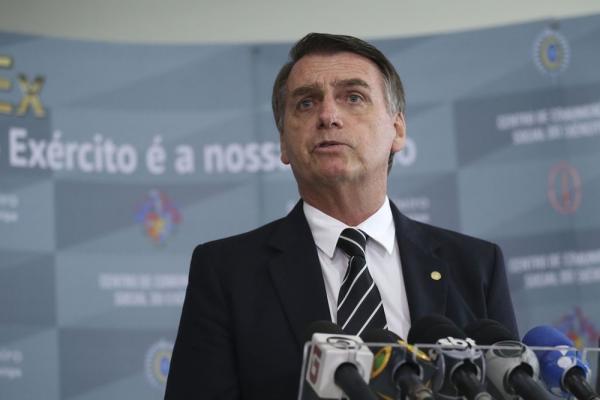 Congresso começa a votar Previdência ''com toda certeza'' em 6 meses, diz Bolsonaro