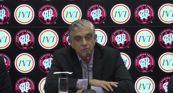 Mario Celso Petraglia quer mudar o nome, o escudo, o uniforme e até a cor do Atlético-PR — Foto: Reprodução/Atlético-PR/Youtube