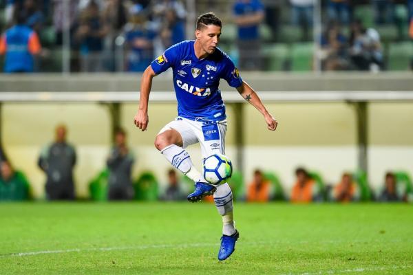 Grêmio entra na briga com paulistas e prepara proposta ao Cruzeiro por Thiago Neves
