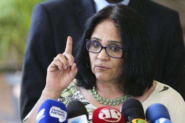 A futura ministra de Mulher, Família e Direitos Humanos, Damares Alves, em imagem desta quinta-feira (6) — Foto: Valter Campanato/Agência Brasil