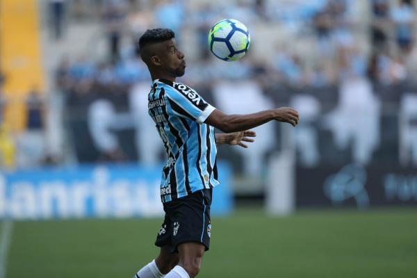 Léo Moura aguarda nova reunião para renovar com o Grêmio