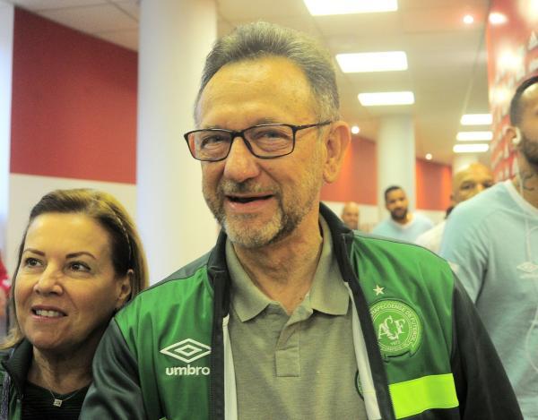 Chapa de situação vence eleição, e Maninho segue como presidente da Chapecoense