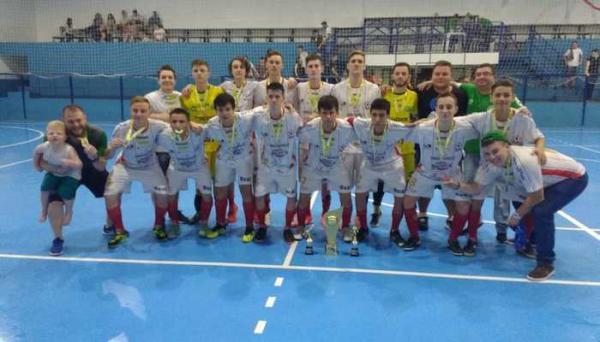 Apach/CRC conquista o título do Sub-16 da LCF