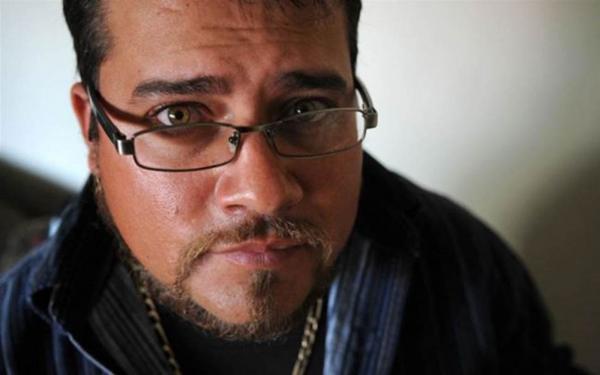 ''Como ajudei a mandar o meu pai adotivo para a cadeia condenado a 5 mil anos de prisão''
