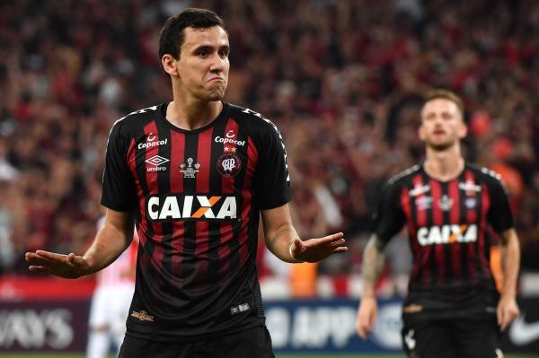 Na mira de Flamengo, Palmeiras e São Paulo, Pablo sonha com nova chance na Europa
