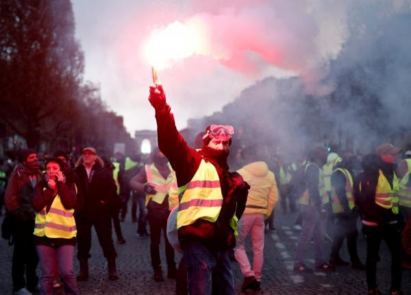 ''Vamos pra rua porque estamos de saco cheio'', diz francês sobre a revolta dos coletes amarelos
