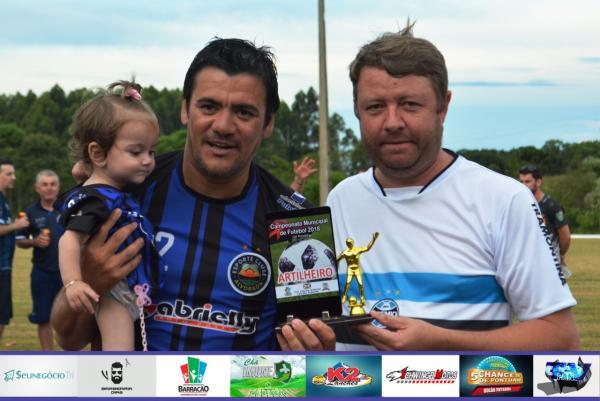 Maurinho leva os troféus de destaque e artilheiro do Barraconense Principal