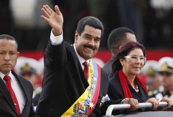 Com legitimidade contestada, Maduro assume segundo mandato como presidente da Venezuela