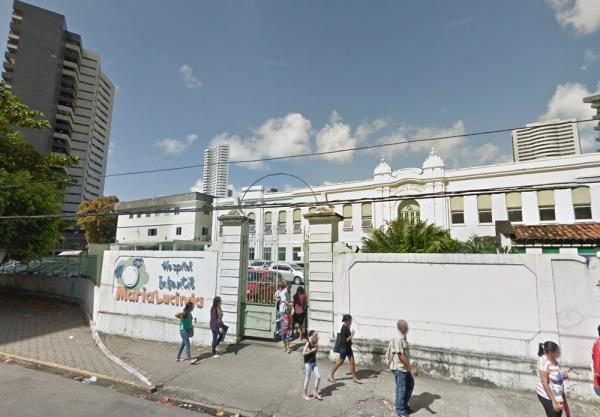 Criança com mais de 50 larvas na cabeça é internada em hospital no Recife, diz Conselho Tutelar