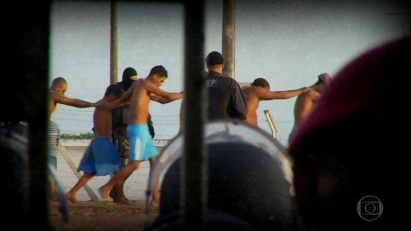 Áudios de presidiários revelam ordens para ataques no Ceará: ''toca fogo lá na prefeitura''