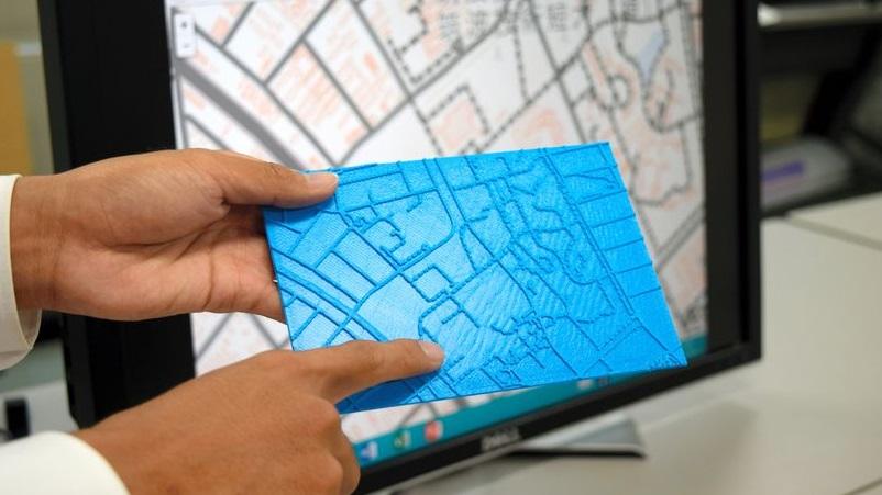 Novo software permite que deficientes visuais imprimam um mapa em 3D para andar pela cidade
