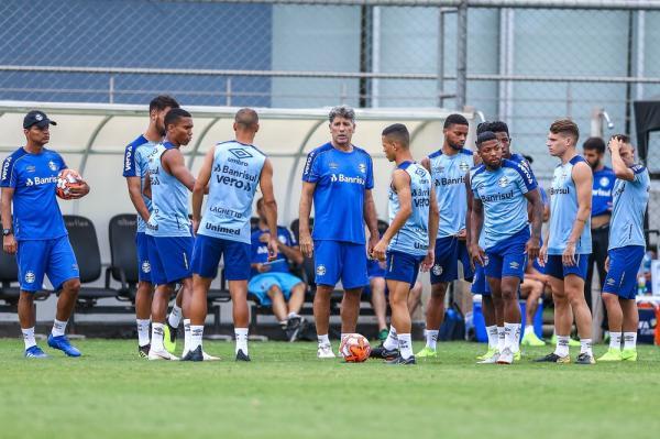 Com Romulo, Grêmio inscreve 21 jogadores em 1ª lista do Gauchão; Paulo Victor é o único titular