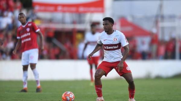 Inter conta com falha do goleiro do São Luiz e estreia com vitória do Gauchão