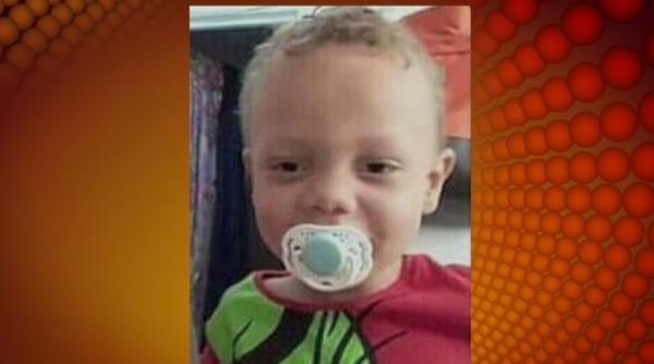 Criança de 3 anos é morta espancada e enterrada pela mãe e padrasto