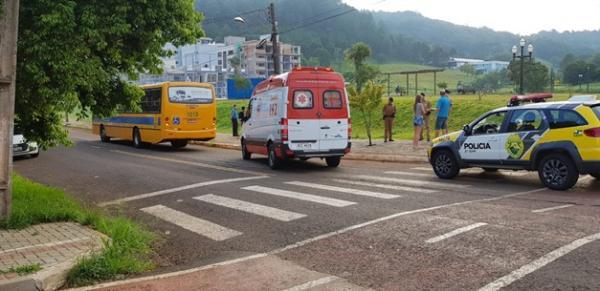 Mulher é atropelada por ônibus em Francisco Beltrão