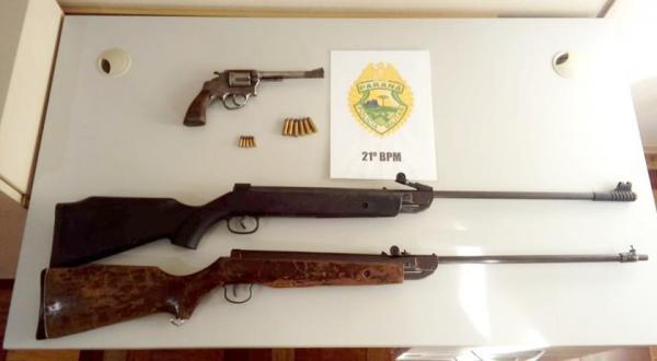 Revólver e duas carabinas são apreendidos no interior de Barracão