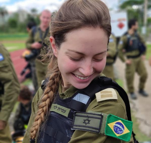 Tenente de família carioca se destaca na missão israelense que deixa Brumadinho
