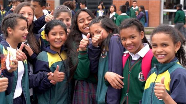 Colômbia ultrapassa Brasil em ranking de educação com foco em professores e avaliação de aprendizagem