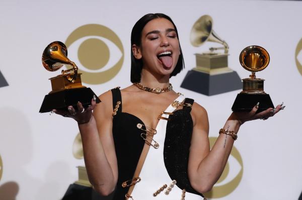 Dua Lipa ganhou Grammy de revelação e de melhor gravação dance — Foto: Mario Anzuoni / Reuters