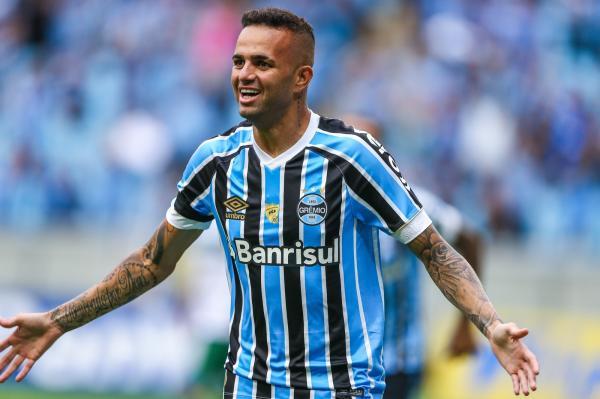 Luan encosta em Paulo Nunes e Renato no ranking de artilheiros do Grêmio