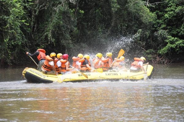 Inauguração do Parque Nacional do Iguaçu em Capanema