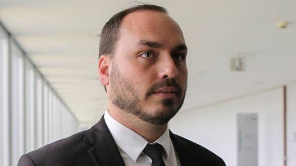 Filho de Bolsonaro divulga áudio do pai para dizer que ministro Bebianno mentiu