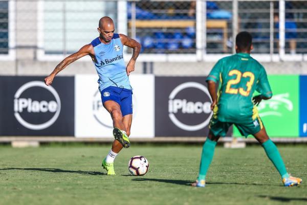 André faz sete, e Diego Tardelli atua pela primeira vez em jogo-treino do Grêmio