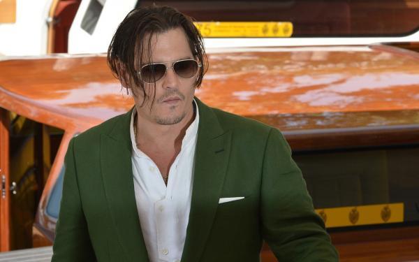 Johnny Depp processa Amber Heard em US$ 50 milhões por difamação, diz site