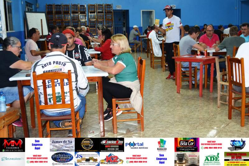Barracão - Campeonato de Canastra teve início na noite de ontem (13)
