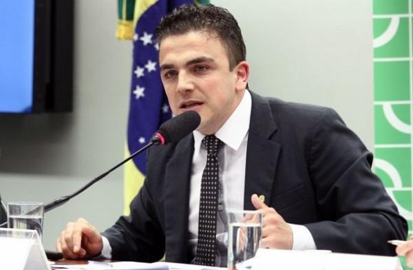 Barracão-Deputado Federal Aliel Machado prioriza 100 mil em recursos para a saúde do município