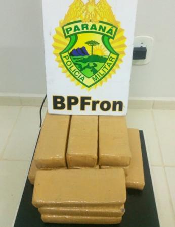 BPFron apreende 9 kg de maconha em ônibus na PR-182
