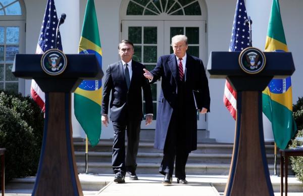 Trump diz querer Bolsonaro como aliado da Otan, organização militar de defesa