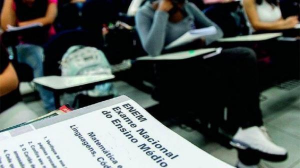 Inep cria comissão para ''verificar'' se questões do Enem têm ''pertinência com a realidade social''