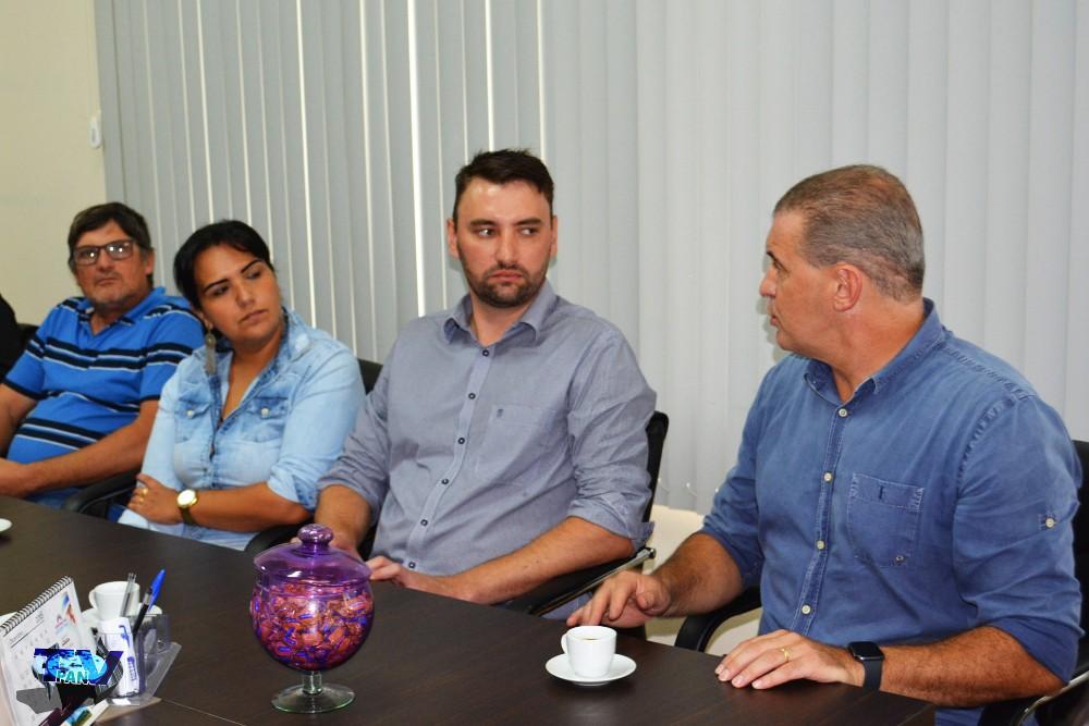 Barracão - Evandro Roman entrega emenda de 250mil para saúde e leva demandas do município