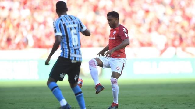 Rithely durou apenas 18 minutos em campo (Foto: Ricardo Duarte/DVG/Inter)