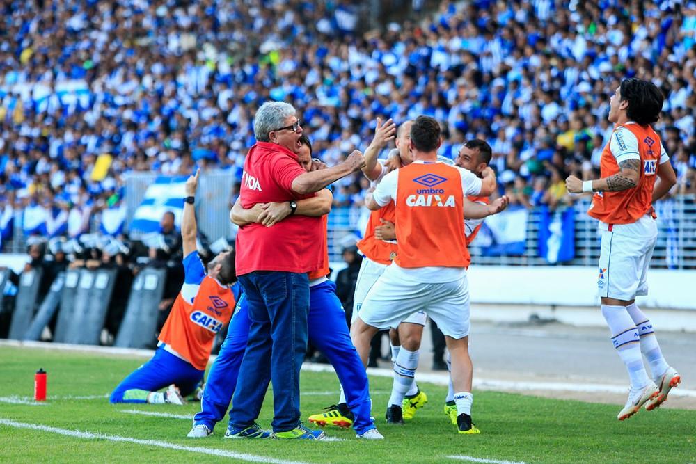 No fim de 2018, treinador conquistou o acesso à elite — Foto: Ailton Cruz/Gazeta de Alagoas