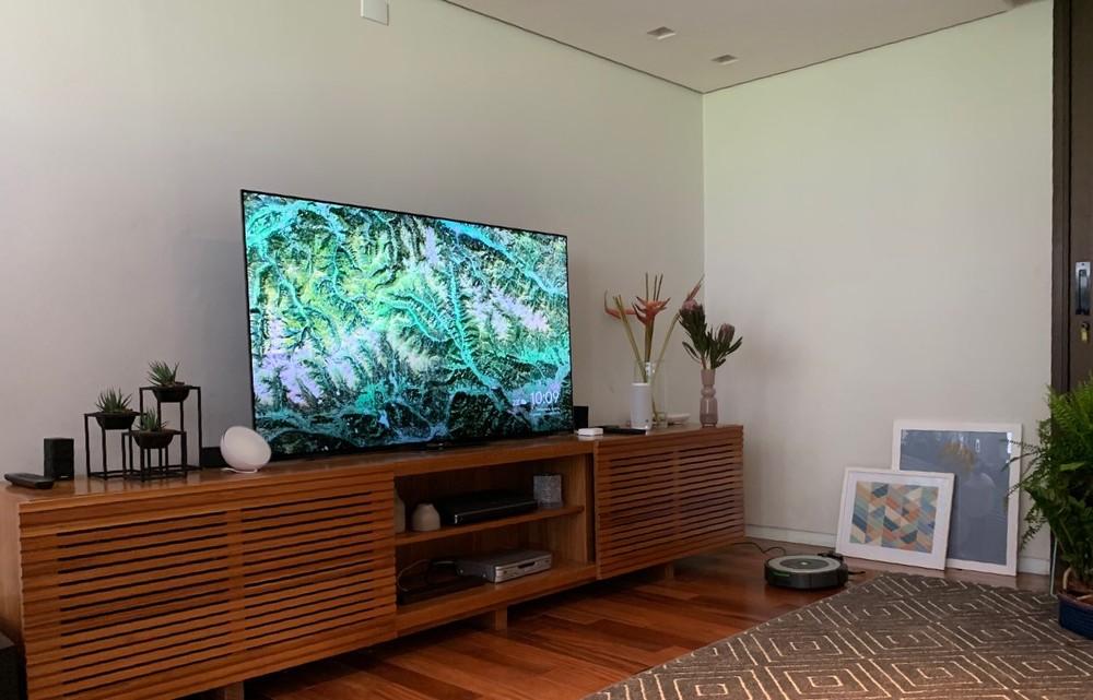Televisão, aspirador de póe, lâmpadas e 'smart speaker'. Google apresentou primeira versão da casa conectada. — Foto: Thiago Lavado/G1