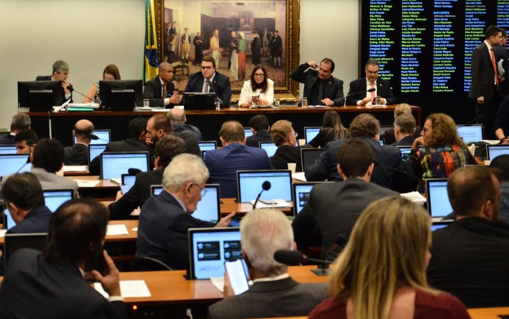 Votação da reforma da Previdência na CCJ, na última terça-feira (23), primeira etapa da tramitação da PEC no Congresso antes da comissão especial — Foto: Renato Costa/ Framephoto/ Estadão Conteúdo
