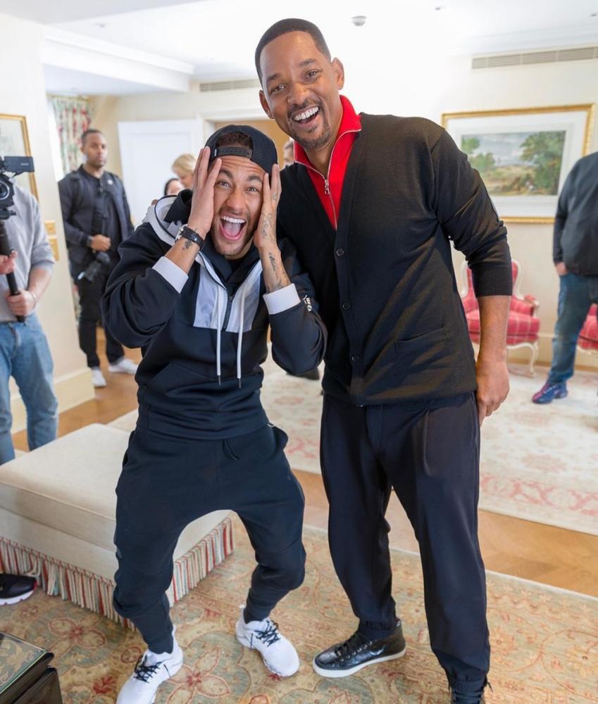 Neymar recebe visita surpresa de Will Smith durante divulgação do filme 'Aladdin' em Paris — Foto: Reprodução/Instagram
