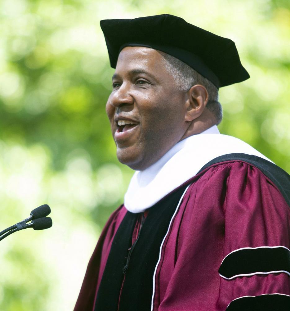 Robert F. Smith, que anunciou que vai pagar a dívida estudantil de uma turma inteira — Foto: Steve Schaefer/AP