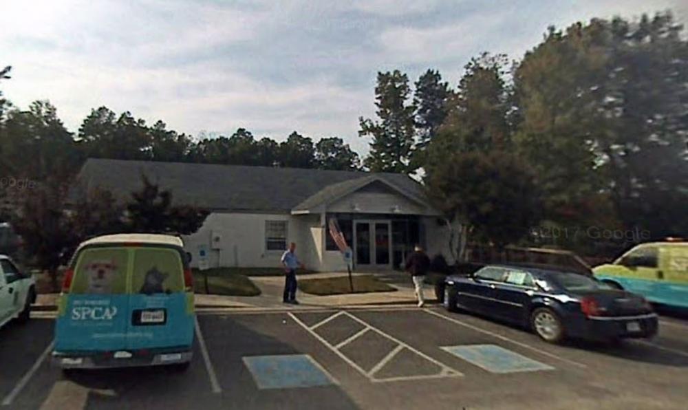 Centro para animais de Chesterfield, cidade nos EUA onde cachorro foi sacrificado a pedido da dona — Foto: Reprodução/Google Street View